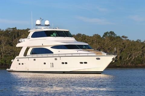 Horizon E73 Yacht